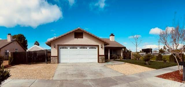 865 S San Jacinto Street, Hemet, CA 92543 (#SW21045121) :: TeamRobinson   RE/MAX One