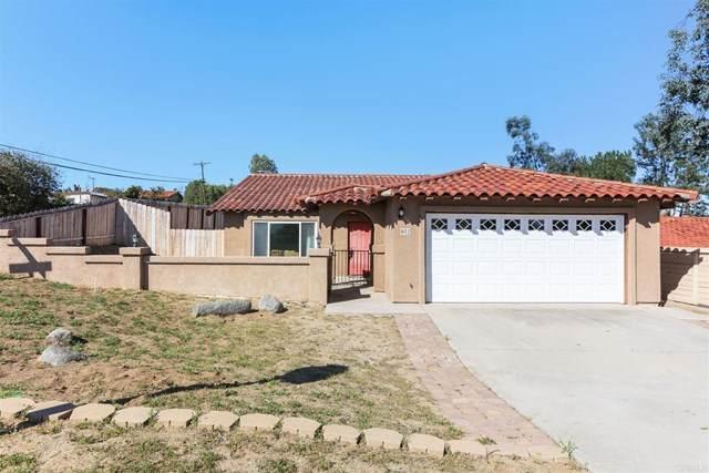 902 Avenida Campana, Fallbrook, CA 92028 (#NDP2102376) :: American Real Estate List & Sell