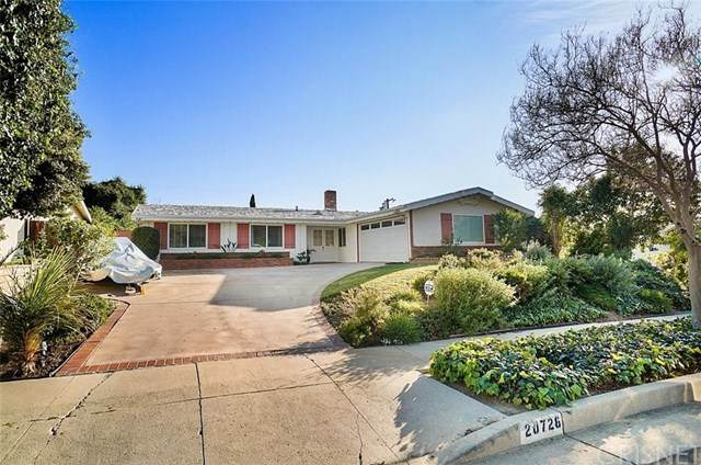 20728 Collins Street, Woodland Hills, CA 91367 (#SR21045972) :: Millman Team