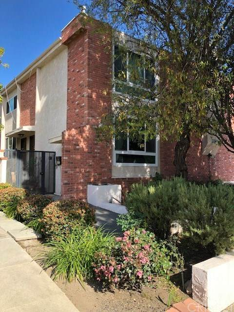 1527 Berkeley Street - Photo 1