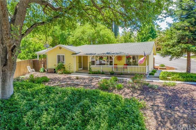 220 Pacific Avenue, Paso Robles, CA 93446 (#NS21046947) :: Bob Kelly Team