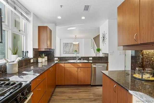 300 W Beech St #2, San Diego, CA 92101 (#210005909) :: Hart Coastal Group