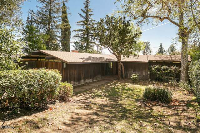 700 Edgeview Drive, Sierra Madre, CA 91024 (#P1-3650) :: The Laffins Real Estate Team