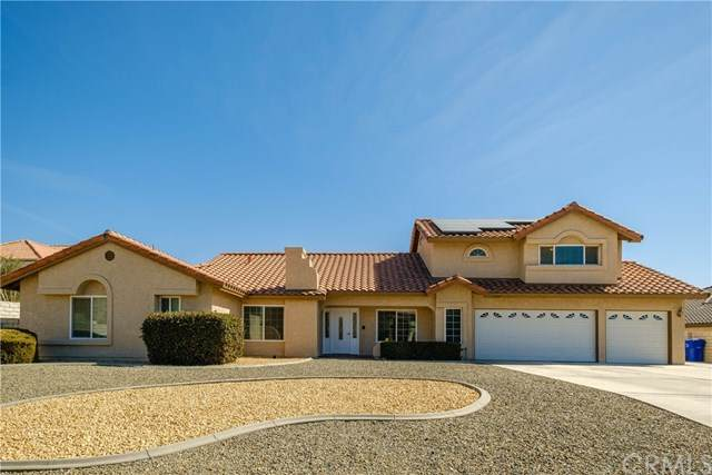 16367 Ridge View Drive, Apple Valley, CA 92307 (#EV21048262) :: Team Forss Realty Group