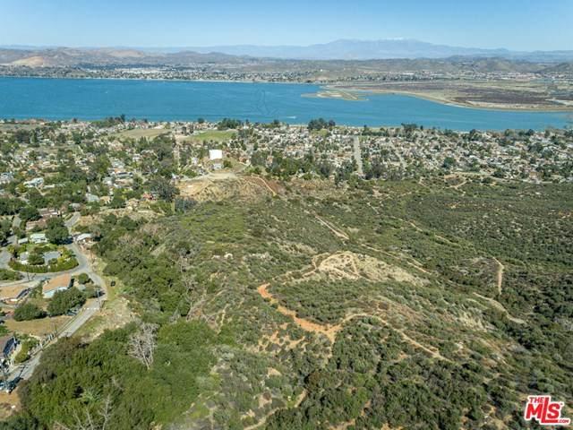 17569 Bodkin Avenue, Lake Elsinore, CA 92530 (#21694972) :: Power Real Estate Group