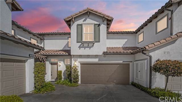 7065 Depoe Court, Huntington Beach, CA 92648 (#CV21048001) :: Doherty Real Estate Group