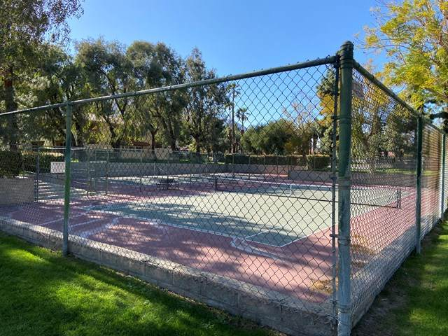 510 N Villa Court #110, Palm Springs, CA 92262 (#219058779DA) :: Mainstreet Realtors®