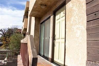 14735 Victory Boulevard #4, Van Nuys, CA 91411 (#DW21053668) :: The Brad Korb Real Estate Group
