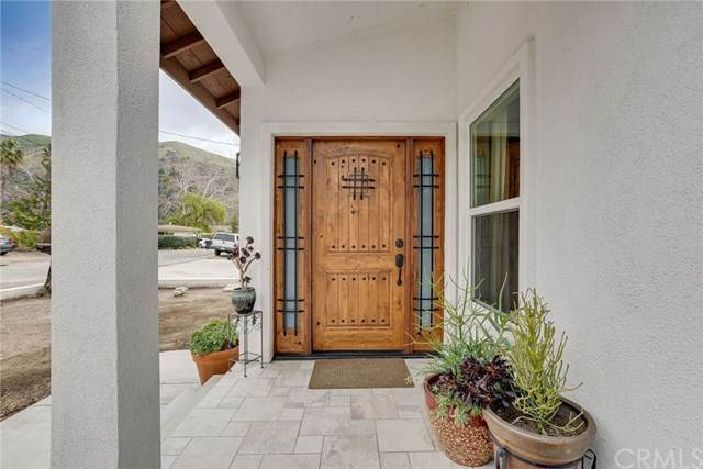 2374 Mentone Avenue, Mentone, CA 92359 (#EV21055419) :: Koster & Krew Real Estate Group | Keller Williams