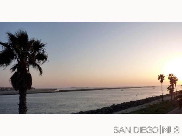 2595 Ocean Front Walk #6, Pacific Beach, CA 92109 (#210006943) :: Mainstreet Realtors®