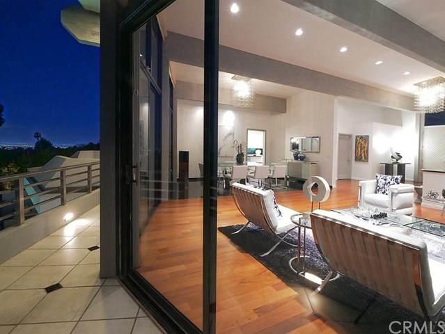 2215 Via Cerritos, Palos Verdes Estates, CA 90274 (#PV21052498) :: Wendy Rich-Soto and Associates