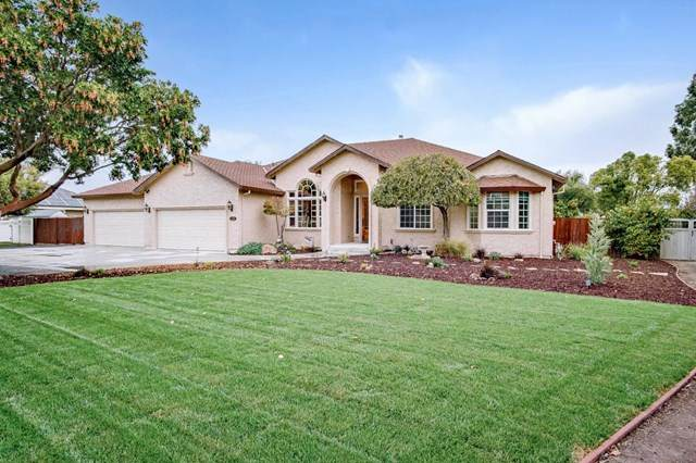 620 Union Heights, Hollister, CA 95023 (#ML81832675) :: Wendy Rich-Soto and Associates
