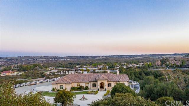 40200 Avenida Del Tiendas, Murrieta, CA 92562 (#SW21060487) :: EXIT Alliance Realty