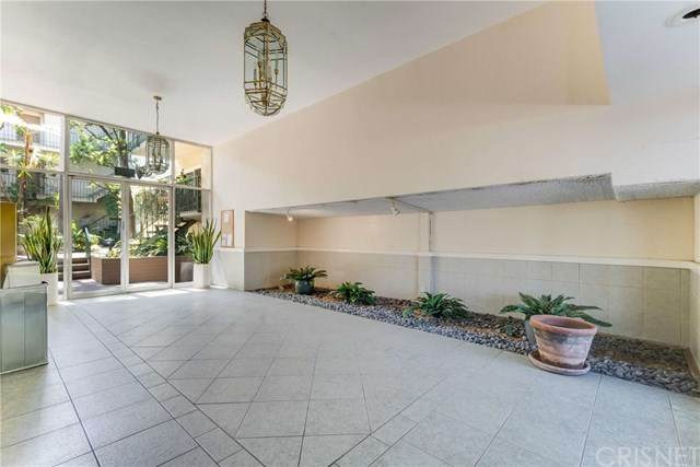10240 Camarillo Street #210, Toluca Lake, CA 91602 (#SR21060535) :: Rogers Realty Group/Berkshire Hathaway HomeServices California Properties