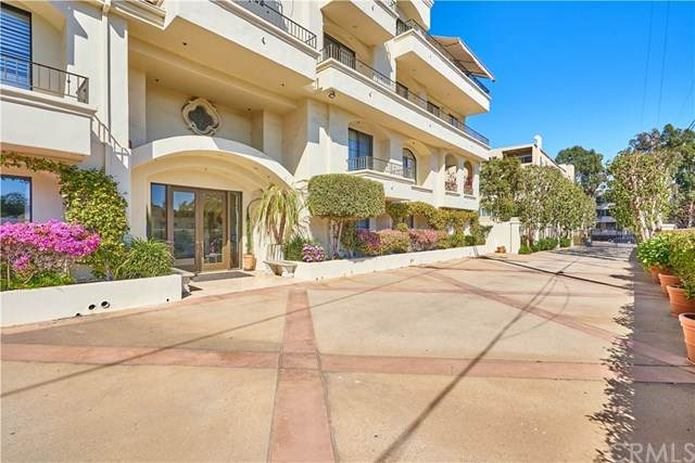 453 S Barrington Avenue #301, Los Angeles (City), CA 90049 (#PW21060177) :: Amazing Grace Real Estate | Coldwell Banker Realty