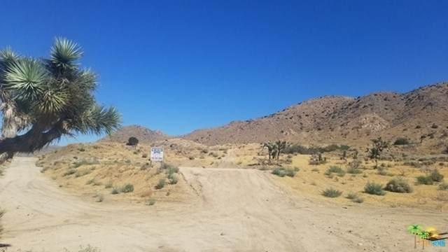 57745 Santa Barbara Drive, Yucca Valley, CA 92284 (#21709550) :: Wendy Rich-Soto and Associates