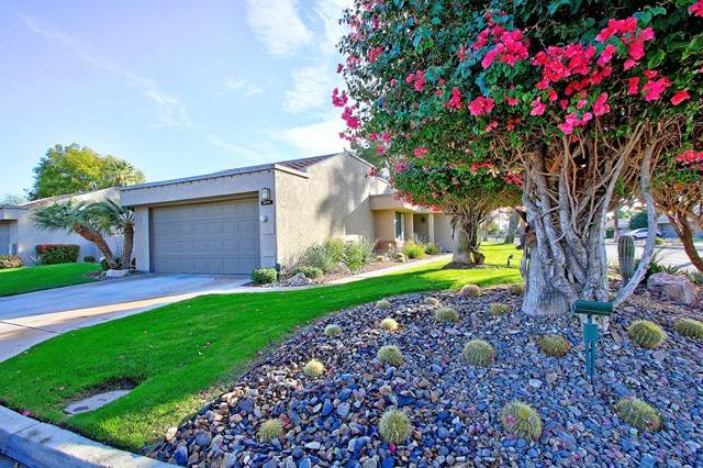 3070 Calle Loreto, Palm Springs, CA 92264 (#219059401PS) :: Wendy Rich-Soto and Associates