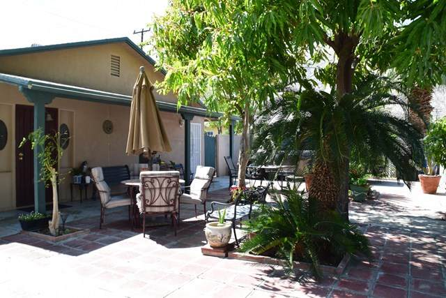 555 E Calle Roca, Palm Springs, CA 92264 (#219059484DA) :: The Costantino Group | Cal American Homes and Realty