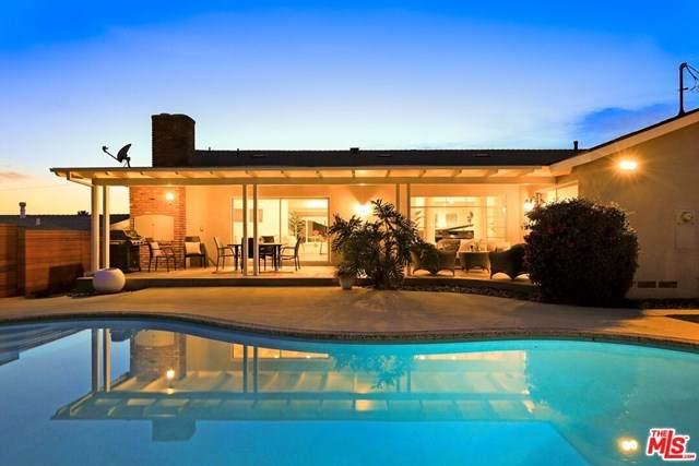 5332 Senford Avenue, Los Angeles (City), CA 90056 (#21711084) :: Wendy Rich-Soto and Associates