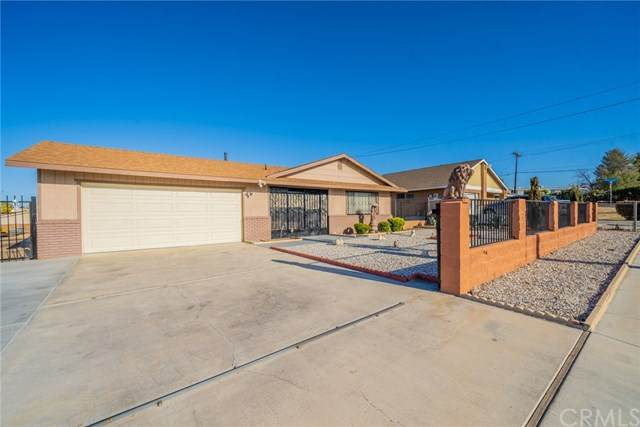 14327 Rodeo Drive, Victorville, CA 92395 (#DW21065341) :: Realty ONE Group Empire