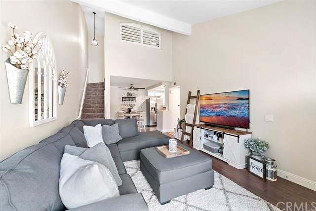 15 Via Confianza, Rancho Santa Margarita, CA 92688 (#OC21067453) :: Plan A Real Estate