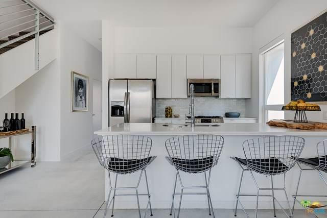 2150 N Zanjero #207, Palm Springs, CA 92262 (#21713628) :: Koster & Krew Real Estate Group | Keller Williams