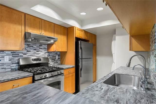460 Oak Street #310, Glendale, CA 91204 (#OC21068589) :: Wendy Rich-Soto and Associates