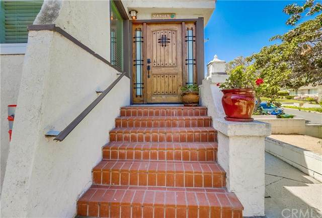 1235 W 14th Street, San Pedro, CA 90731 (#SB21048182) :: Wendy Rich-Soto and Associates