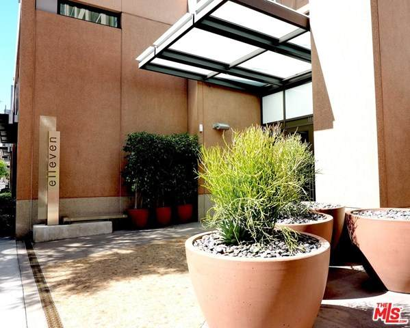 1111 S Grand Avenue #703, Los Angeles (City), CA 90015 (#21714540) :: The Kohler Group