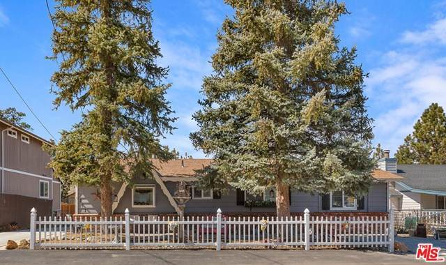 217 Whipple Drive, BBC - Big Bear City, CA 92314 (#21714660) :: Wendy Rich-Soto and Associates