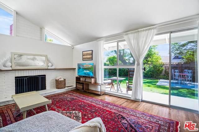 20724 Arminta Street, Winnetka, CA 91306 (#21712204) :: eXp Realty of California Inc.