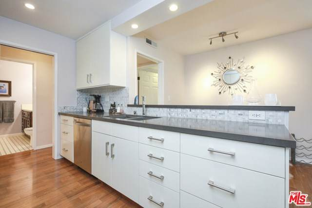 10240 Camarillo Street #301, Toluca Lake, CA 91602 (#21715106) :: The Brad Korb Real Estate Group
