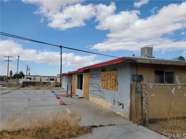 17845 Jonathan Street, Adelanto, CA 92301 (#CV21072313) :: Realty ONE Group Empire