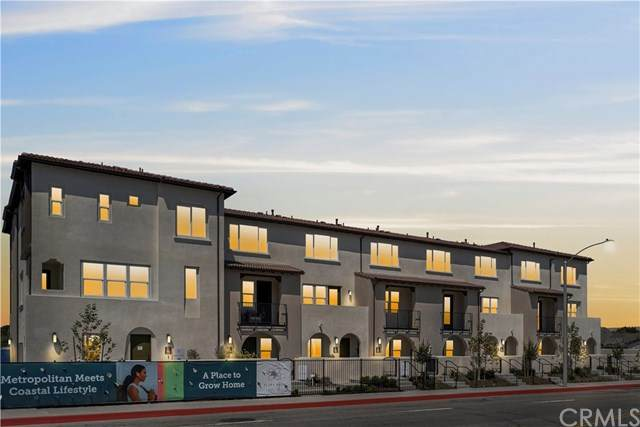22260 Meyler Street, Torrance, CA 90502 (#OC21072830) :: Koster & Krew Real Estate Group | Keller Williams