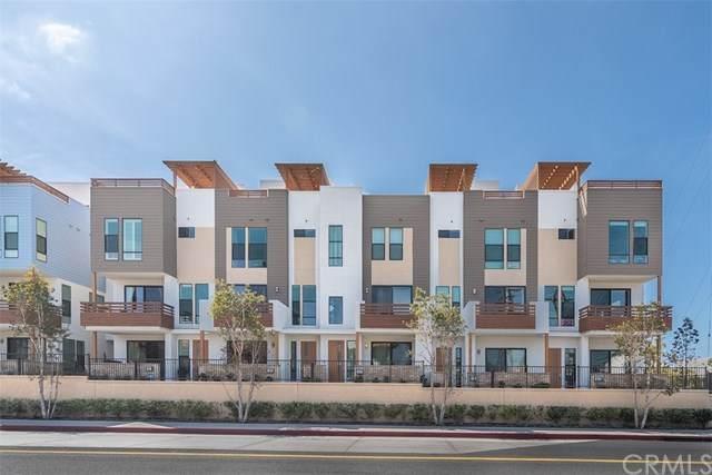 697 W 17th Street, Costa Mesa, CA 92627 (#OC21070815) :: Better Living SoCal