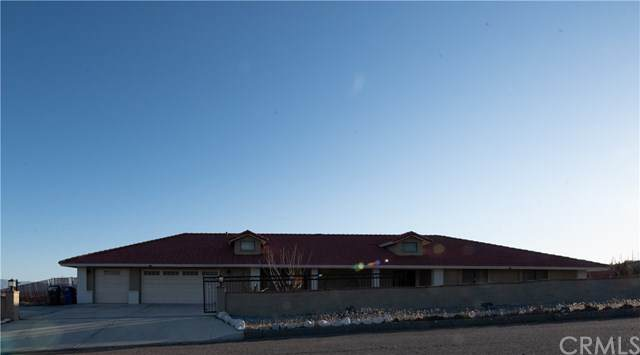18220 Maka Road, Apple Valley, CA 92307 (#WS21073174) :: Team Forss Realty Group