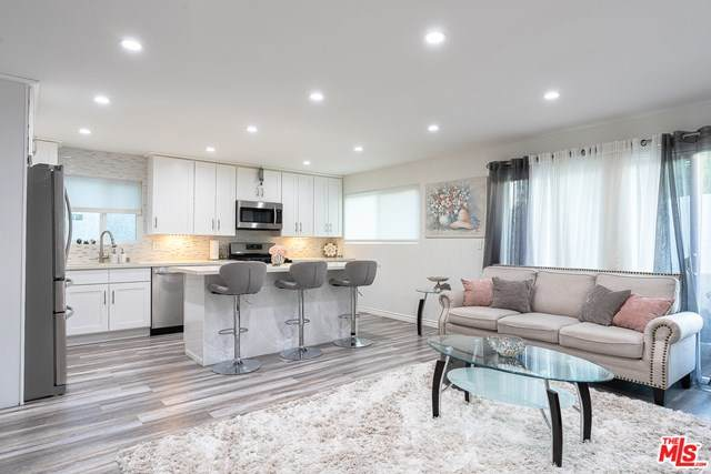 5031 Denny Avenue #103, North Hollywood, CA 91601 (#21716962) :: Wendy Rich-Soto and Associates