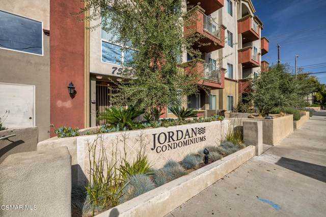 7551 Jordan Avenue #303, Canoga Park, CA 91303 (#221001836) :: Koster & Krew Real Estate Group | Keller Williams