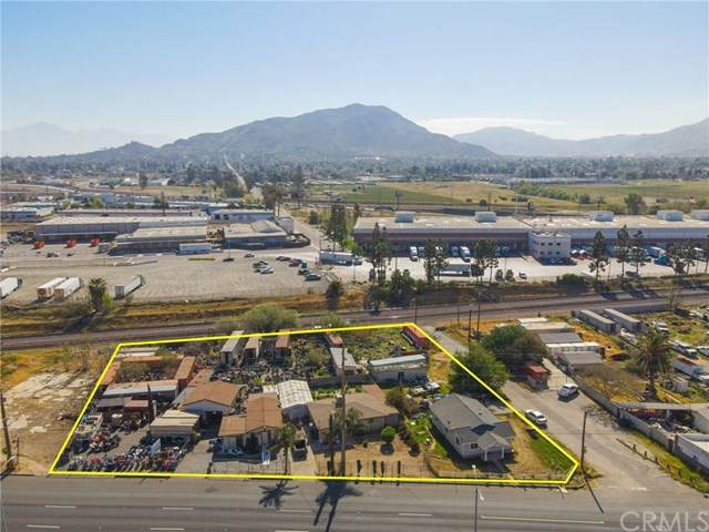 12229 La Cadena Drive, Colton, CA 92324 (#DW21074651) :: Mark Nazzal Real Estate Group