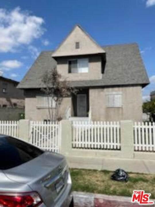 857 E 24Th Street, Los Angeles (City), CA 90011 (#21707764) :: Mark Nazzal Real Estate Group
