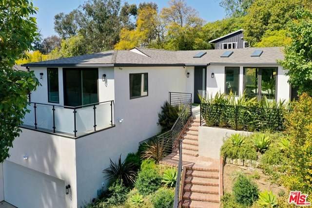 10329 Walavista Road, Los Angeles (City), CA 90064 (#21715672) :: Compass