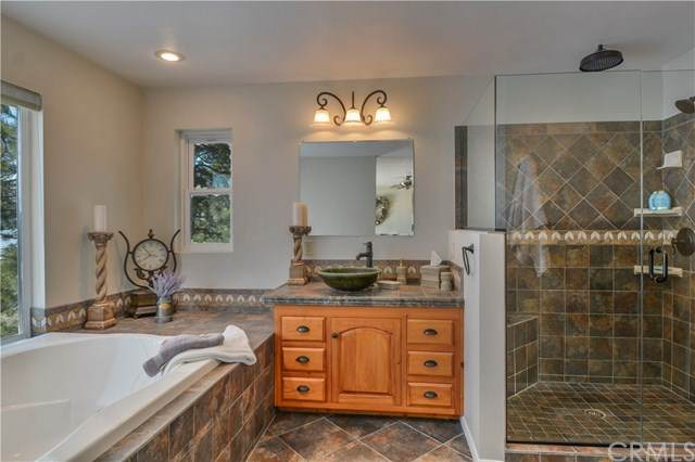 31591 Inspiration Drive, Running Springs, CA 92382 (#EV21075619) :: Wendy Rich-Soto and Associates