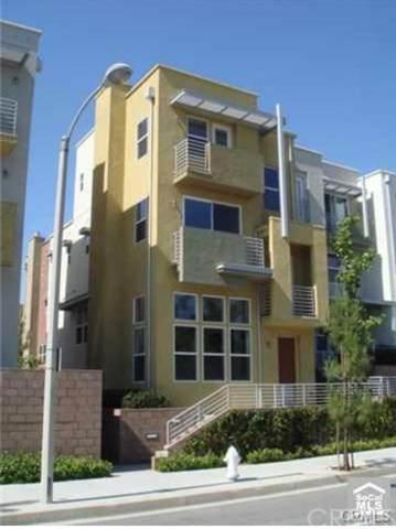 367 E Memory Lane, Santa Ana, CA 92705 (#NP21075325) :: Better Living SoCal