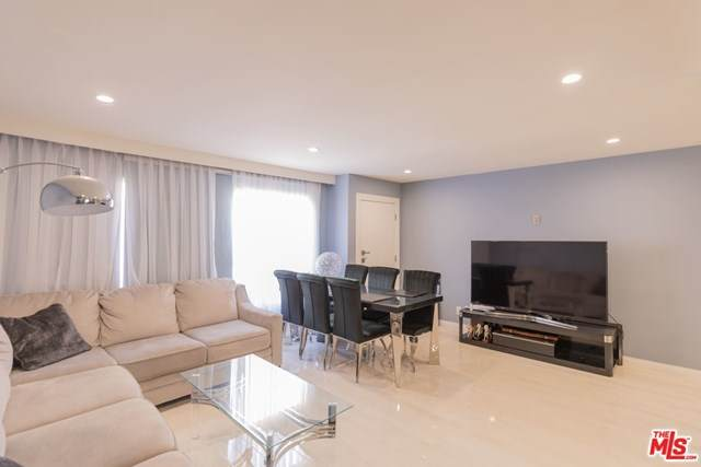5461 Newcastle Avenue #10, Encino, CA 91316 (#21717428) :: Koster & Krew Real Estate Group   Keller Williams