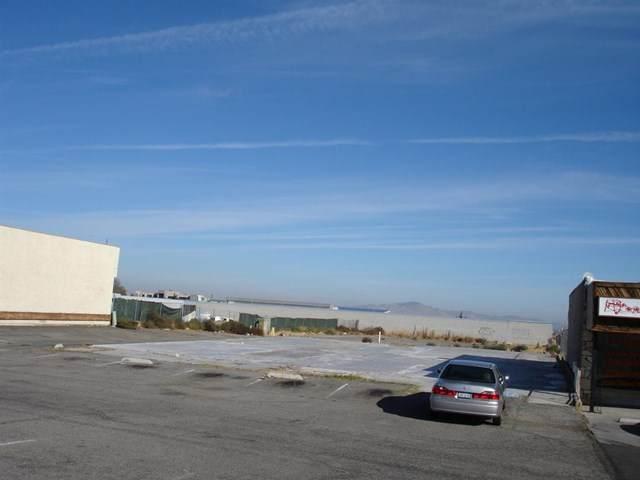 17122 Main Street, Hesperia, CA 92345 (#534068) :: Doherty Real Estate Group
