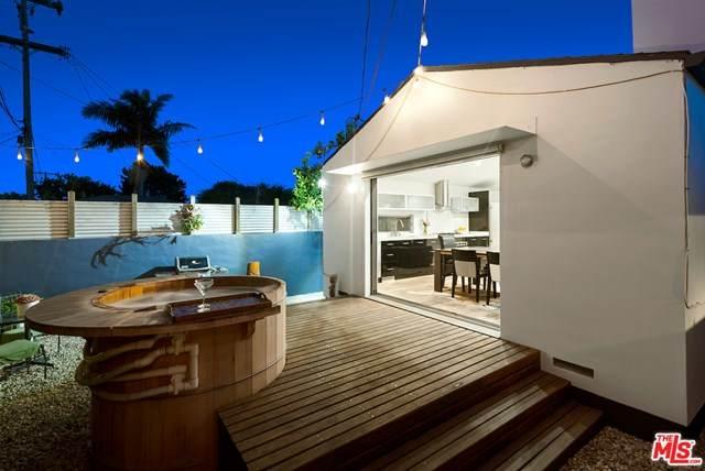 4316 Moore Street, Los Angeles (City), CA 90066 (#21717114) :: Rogers Realty Group/Berkshire Hathaway HomeServices California Properties