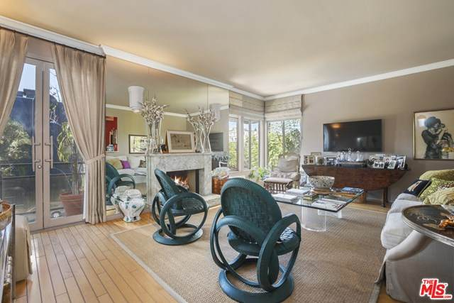 120 N Doheny Drive #201, West Hollywood, CA 90048 (#21717684) :: The Najar Group