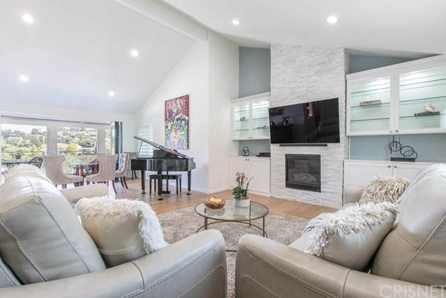 3342 Charleston Way, Hollywood Hills, CA 90068 (#SR21076626) :: The Costantino Group | Cal American Homes and Realty