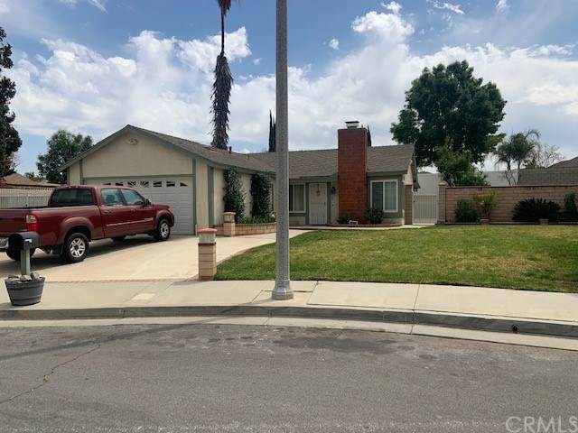 10764 Parliament Lane, Riverside, CA 92503 (#IV21075090) :: Mark Nazzal Real Estate Group