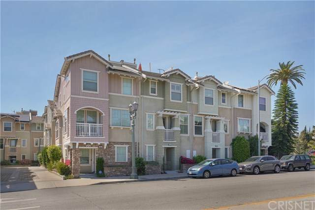1243 Wilcox Avenue, Hollywood, CA 90038 (#SR21071069) :: The Results Group